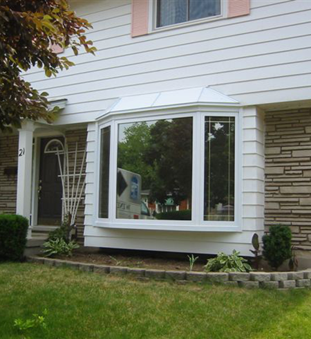 Bay windows north star windows doors find a dealer for Vinyl bay window